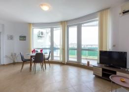 Большая квартира с видом на море в курорте Равда. Фото 2