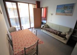 Недорогая трехкомнатная квартира в Солнечном Береге. Фото 2