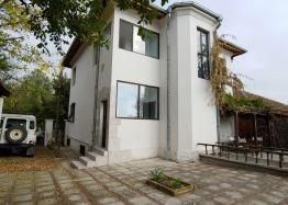 Просторный двухэтажный дом на продажу в Дюлево. Фото 3