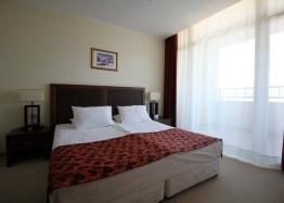 Апартамент с двумя спальнями на первой линии моря. Фото 3