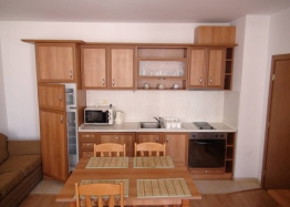 Двухкомнатная квартира рядом с пляжем в Несебре. Фото 1