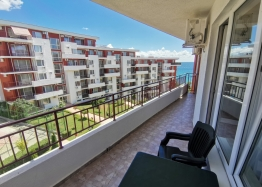 Трехкомнатная квартира с видом на море на первой линии. Фото 6