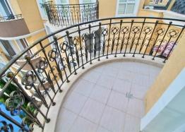 Роскошная двухуровневая квартира в Messembria Palace. Фото 6
