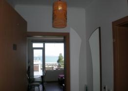 Трехкомнатная квартира на первой линии моря в Поморие. Фото 10