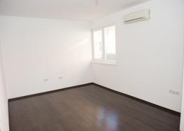 Новая трехкомнатная квартира по выгодной цене. Фото 7