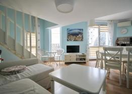 Роскошная двухуровневая квартира в Messembria Palace. Фото 8