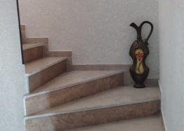 Трехкомнатная квартира в жилом доме в Несебре. Фото 7