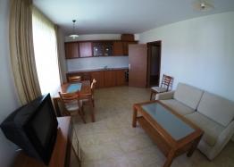 Недорогая двухкомнатная квартира в Равде. Фото 1