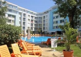 Двухкомнатная квартира в 150 м от пляжа в Солнечном Береге. Фото 1