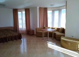Двухкомнатная квартира у моря в курорте Святой Влас. Фото 1