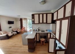 Прекрасный апартамент с двумя спальнями на Солнечном берегу. Фото 3