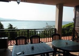 Отличная трехкомнатная квартира на продажу с видом на море в Созополе. Фото 1