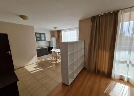 Трехкомнатная квартира на продажу в Несебре. Фото 3