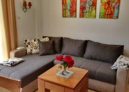 Трехкомнатная квартира выгодно в курорте Святой Влас. Фото 1