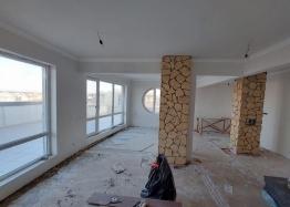 Огромный апартамент на весь этаж с панорамным видом на море и Бургас!. Фото 19