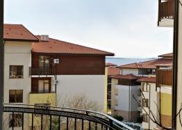 Меблированная двухкомнатная квартира на первой линии. Фото 7