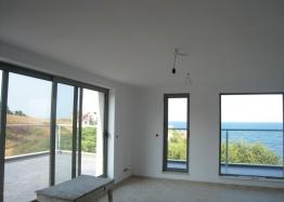 Трехэтажный дом на берегу моря. Фото 6