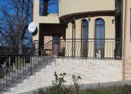 Двухэтажный дом в селе Паницово, область Бургас. Фото 1