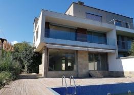 Элитный трёхэтажный дом на первой линии моря в Созополе. Фото 1