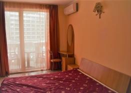 Двухкомнатная квартира в элитном комплексе на Солнечном берегу в Болгарии. Фото 11