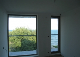 Трехэтажный дом на берегу моря. Фото 3