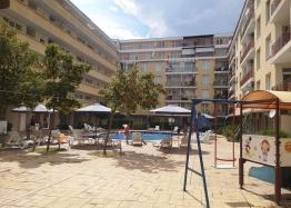 Недорогая трехкомнатная квартира на Солнечном берегу. Фото 1
