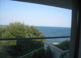Трехэтажный дом на берегу моря. Фото 4