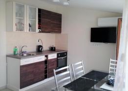 Недорогая двухкомнатная квартира в городе Поморие. Фото 2