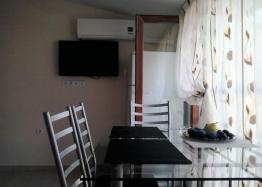 Недорогая двухкомнатная квартира в городе Поморие. Фото 3