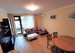 Купить квартиру в Болгарии в Поморие с мебелью. Фото 1