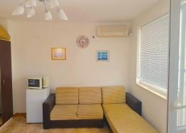 Продажа трехкомнатной квартиры в Святом Власе. Фото 2