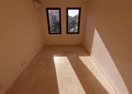 Новый трехкомнатный апартамент на первой линии Святого Власа. Фото 20