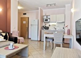 Красивая двухкомнатная квартира в комплексе Роял Сан. Фото 2