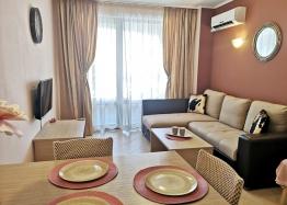 Красивая двухкомнатная квартира в комплексе Роял Сан. Фото 1