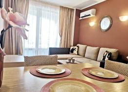 Красивая двухкомнатная квартира в комплексе Роял Сан. Фото 7