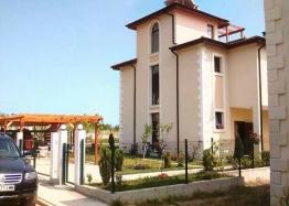 Двухэтажный дом на продажу в курорте Святой Влас. Фото 1