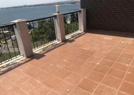 Отличная многокомнатная квартира в Несебре возле пляжа с видом на море. Фото 17