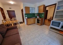 Большая двухкомнатная квартира в городе Несебр. Фото 1