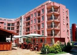 Новая квартира в элитном комплексе в Солнечном Береге. Фото 1