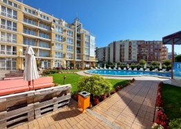 Прекрасный апартамент с двумя спальнями на Солнечном берегу. Фото 1