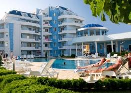 Купить недорого квартиру в курорте Солнечный Берег. Фото 1