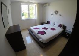 Трехкомнатный апартамент в комплексе Лазурь-2, Святой Влас. Фото 6