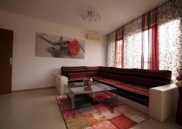 Современная двухкомнатная квартира в Солнечном Береге. Фото 1