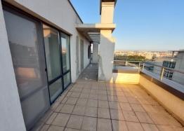 Огромный апартамент на весь этаж с панорамным видом на море и Бургас!. Фото 8