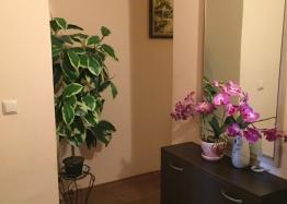 Просторный трёхкомнатный апартамент в Поморие . Фото 8