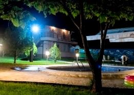 Двухэтажный дом с бассейном в селе Брястовец. Фото 13