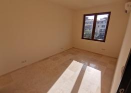 Новый трехкомнатный апартамент на первой линии Святого Власа. Фото 5