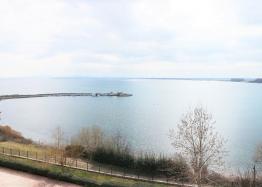 Трехкомнатная квартира с видом на море в комплексе на первой линии. Фото 10