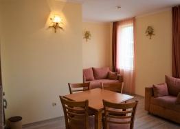 Двухкомнатная квартира в элитном комплексе на Солнечном берегу в Болгарии. Фото 8
