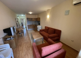 Купить недорого двухкомнатную квартиру в Солнечном Береге. Фото 1